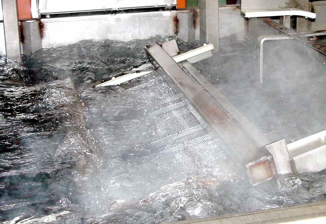 Industrial metal cleaners